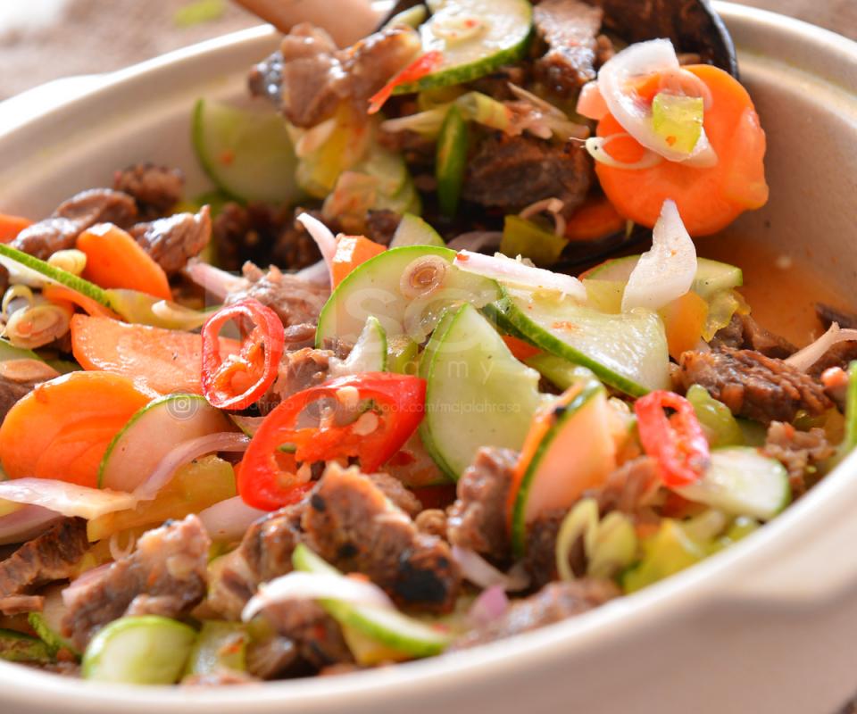 6 Resipi Kerabu Yang Memang Sedap Kalau Makan Waktu Buka