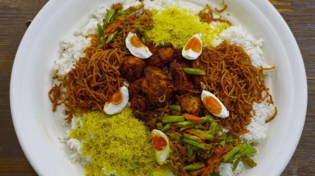 Sedapnya Nasi Ambeng Yang Dimasak Oleh Rozita Che Wan